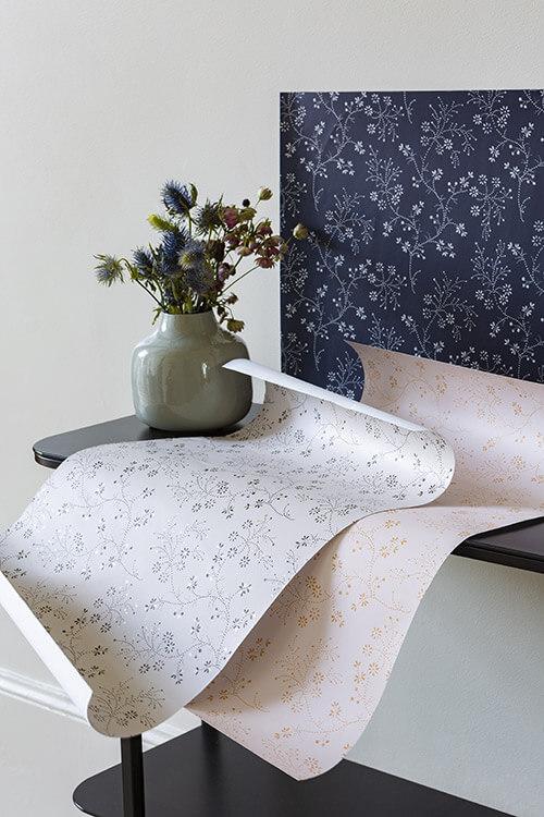papier-peint-belle-jeanne-velours-de-papier-liberon-photo-ambiance