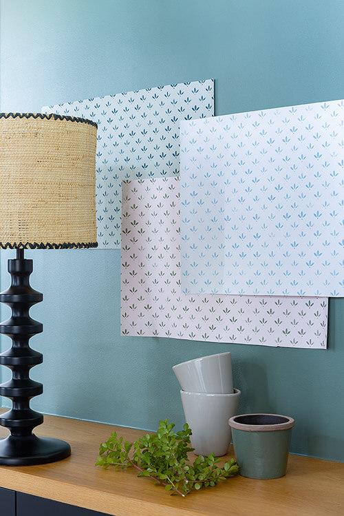 papier-peint-florette-velours-de-papier-liberon-photo-ambiance