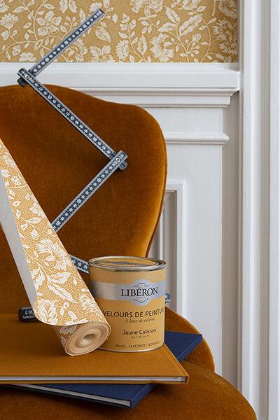 papier-peint-liberon-velours-de-papier-motif-dame-antoinette-image-ambiance-application